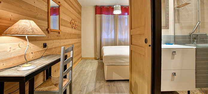 chalet martine alpe d'huez bedroom
