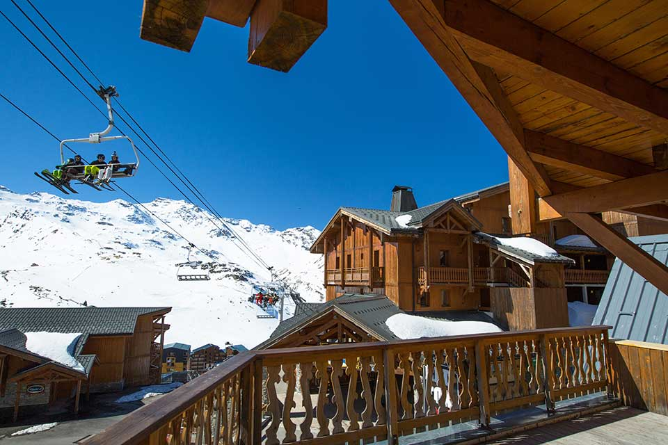 Chalet Libra, Val Thorens - A chalet with a view over the village rooftops