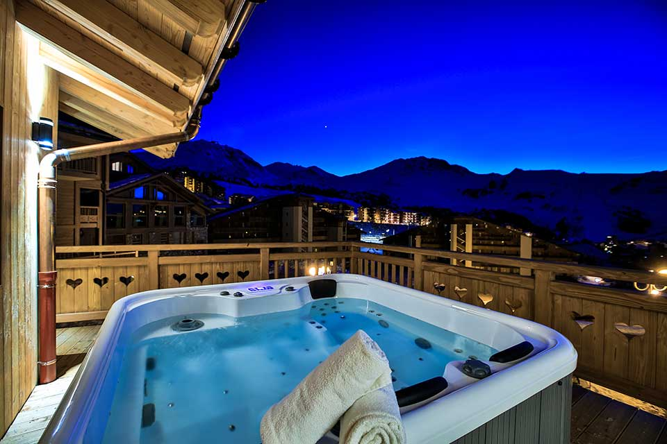 Chalet Silene, La Plagne - A chalet with a view of the evening sunset from the hot tub