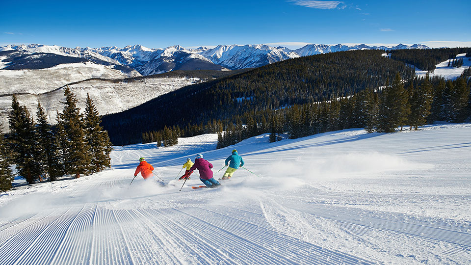 Skiing Vail ©Jack Affleck