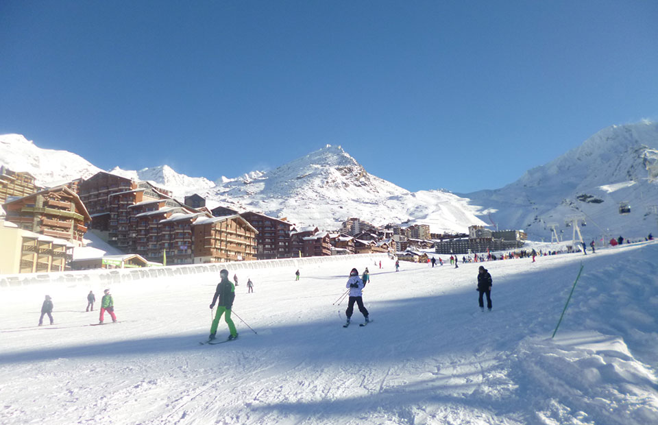 Skiing-in-Val-Thorens---By-Le-Teya