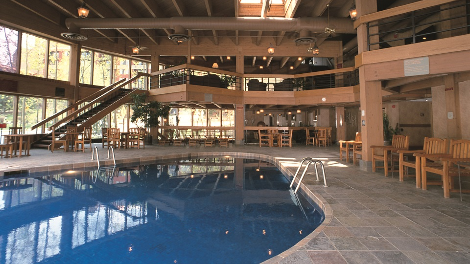 USA-breckenridge-beaver run-pool