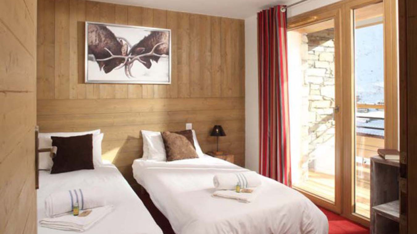 Twin Bedroom In Chalet Alfredo, Tignes, France