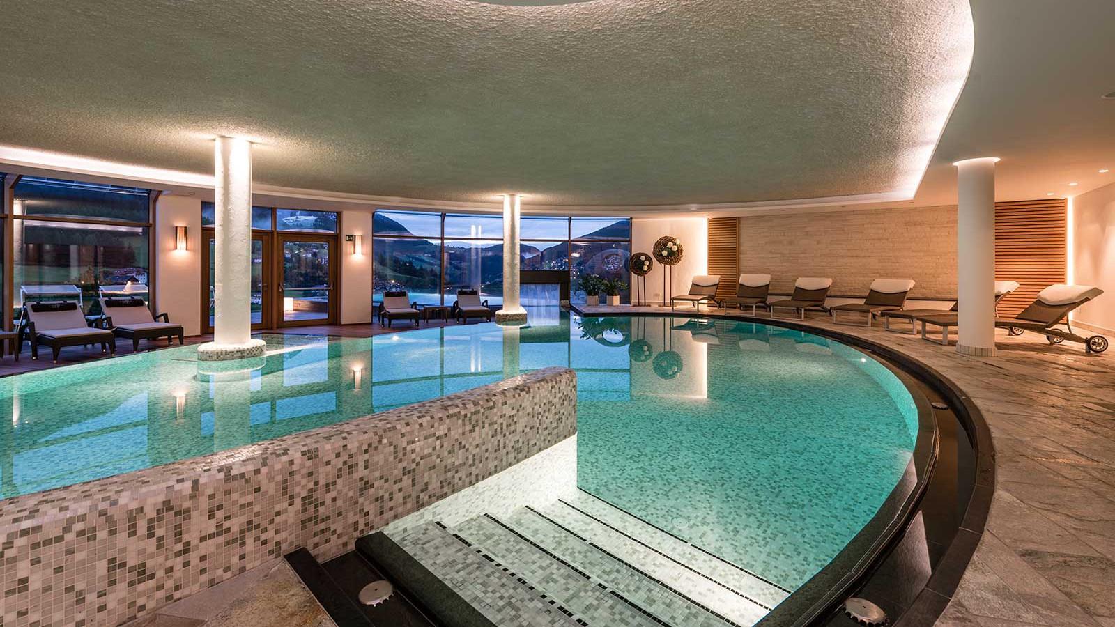 Alpenheim Charming Hotel - Interior Pool