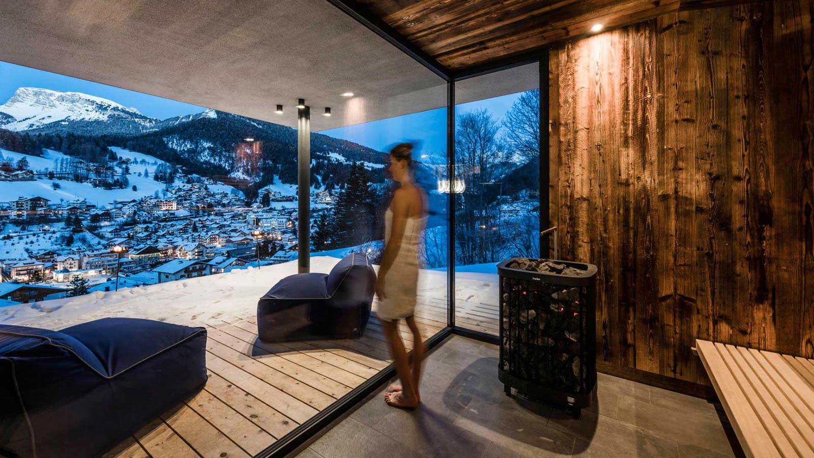 Alpenhotel Rainell - Sauna at night