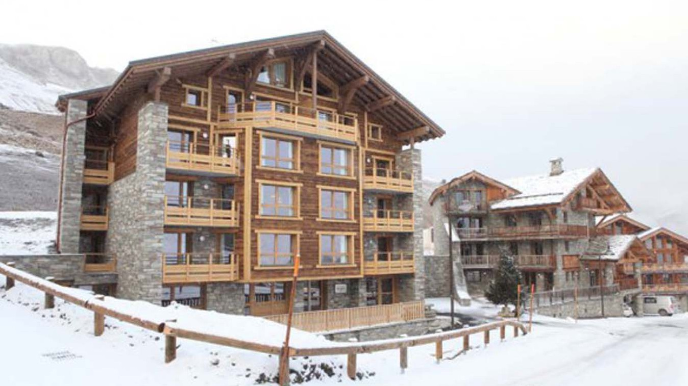 Snowy Exterior of Chalet Annina, Tignes, France