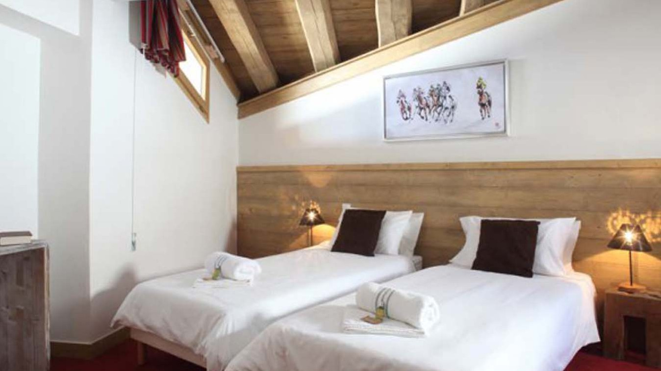Twin Bedroom In Chalet Annina, Tignes, France