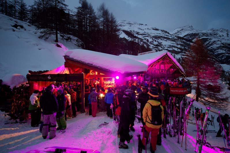 Aprés-Ski at Hennu Stall, Zermatt, Switzerland