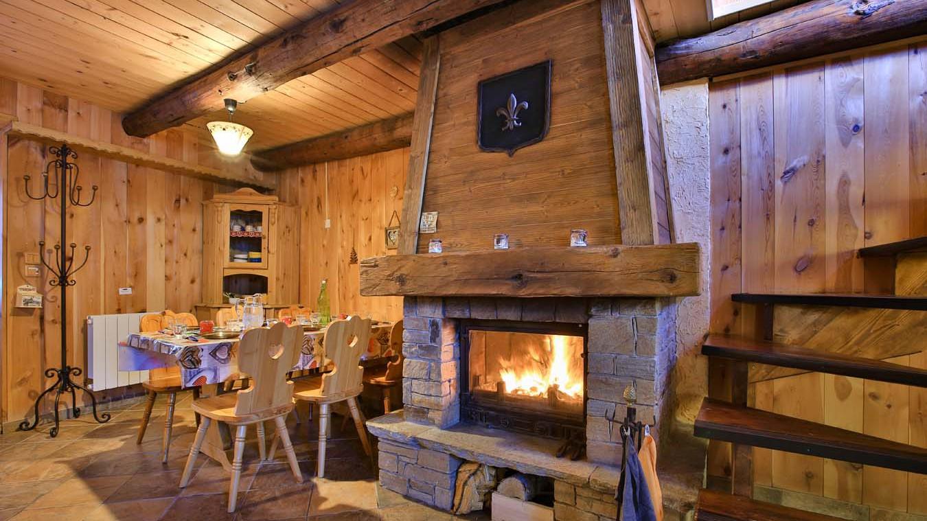 Chalet Arnaud, Les Arcs - Fireplace