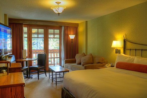 Banff Caribou Supeior King Room