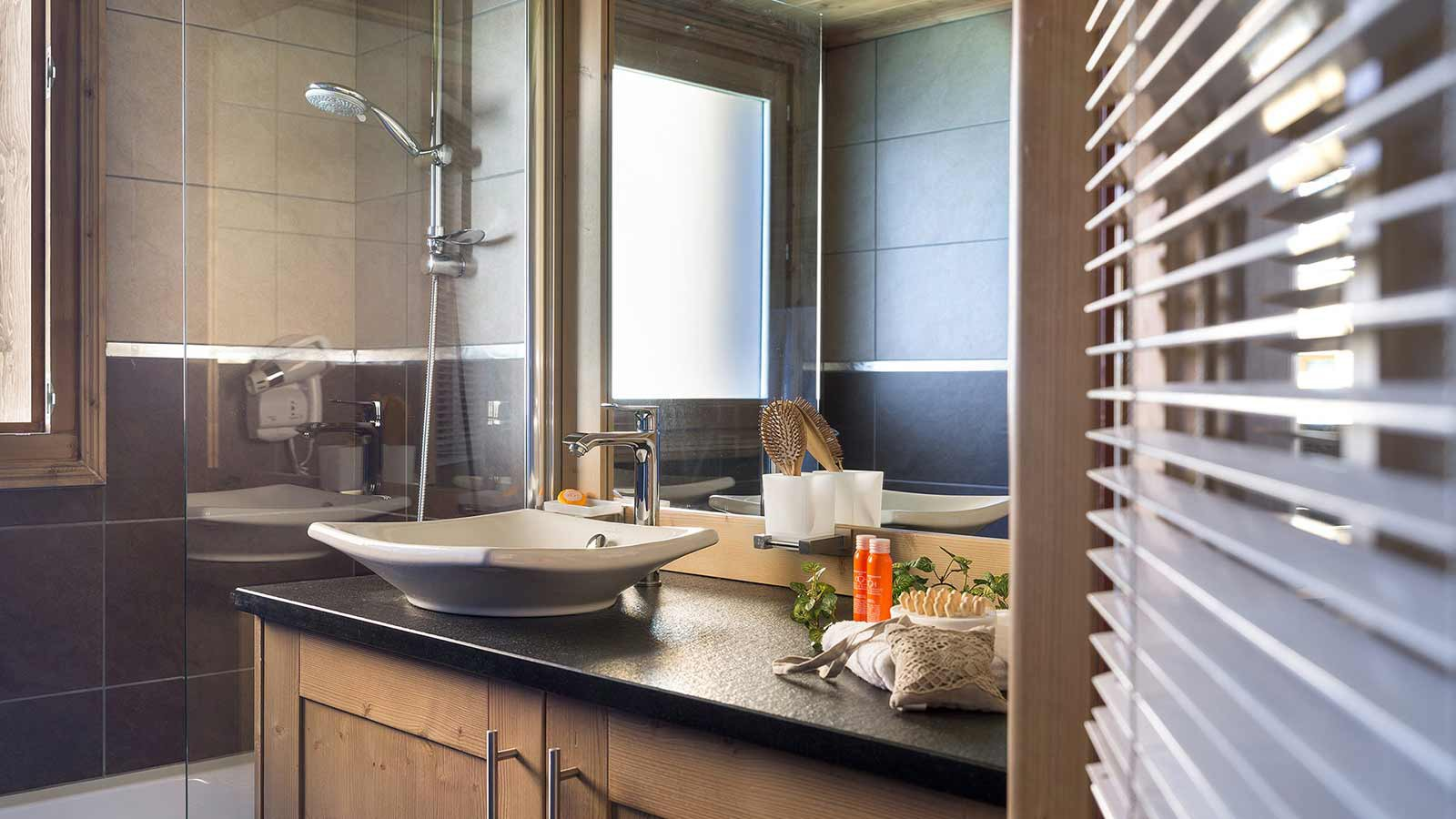 Bathroom, Le Lodge Hemera - Ski Apartments in La Rosiere, France