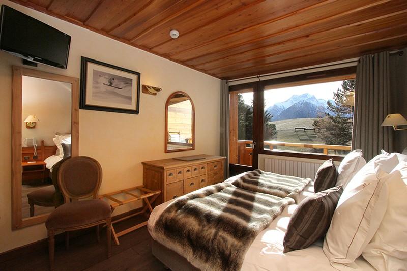 Hotel Chalet Mounier, bedroom, Les Deux Alpes