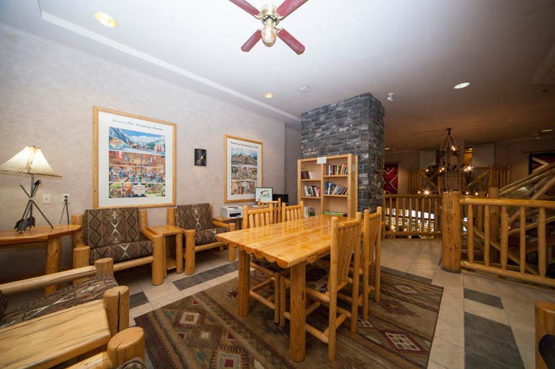 Brewster's Mountain Lodge, Banff, Canada, Library