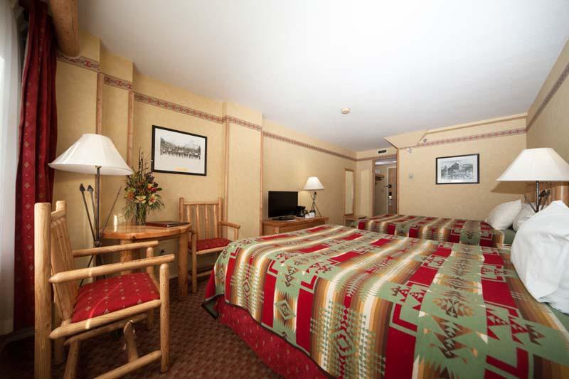 Brewster's Mountain Lodge, Banff, Canada, Standard Room