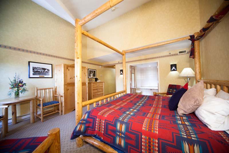Brewster's Mountain Lodge, Banff, Canada, Suite