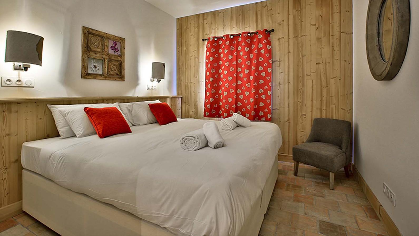 Bedroom - Chalet Campanula - Ski Chalet in La Plagne, France