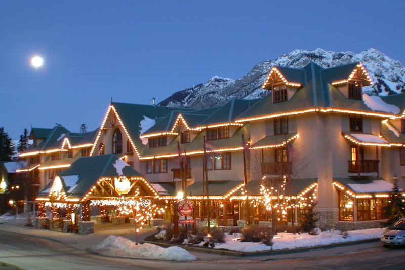 Caribou Lodge, ext, Banff & Lake Louise