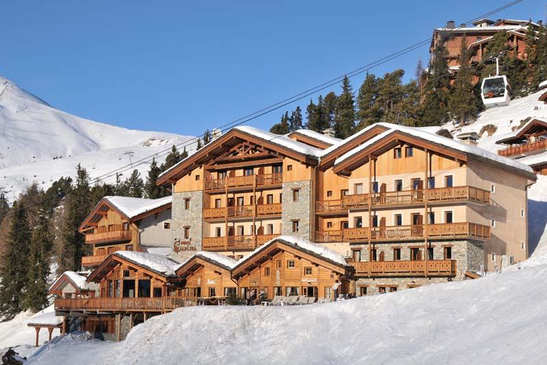Hotel Carlina, snowy exterior, Belle Plagne