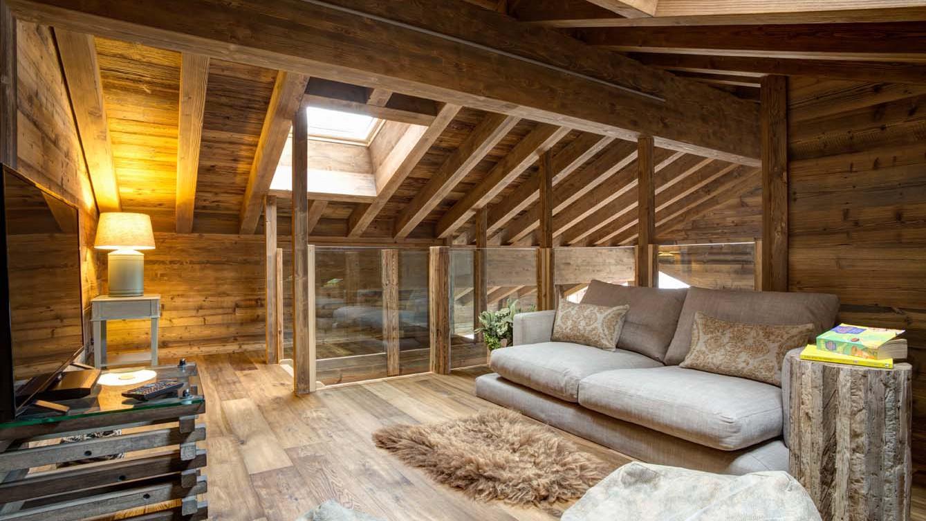 Top Floor Snug, Chalet Altair, Nendaz, Switzerland