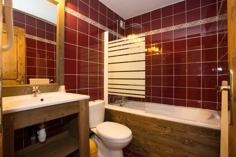 Chalet Capricorne, Val Thorens, France, Bathroom