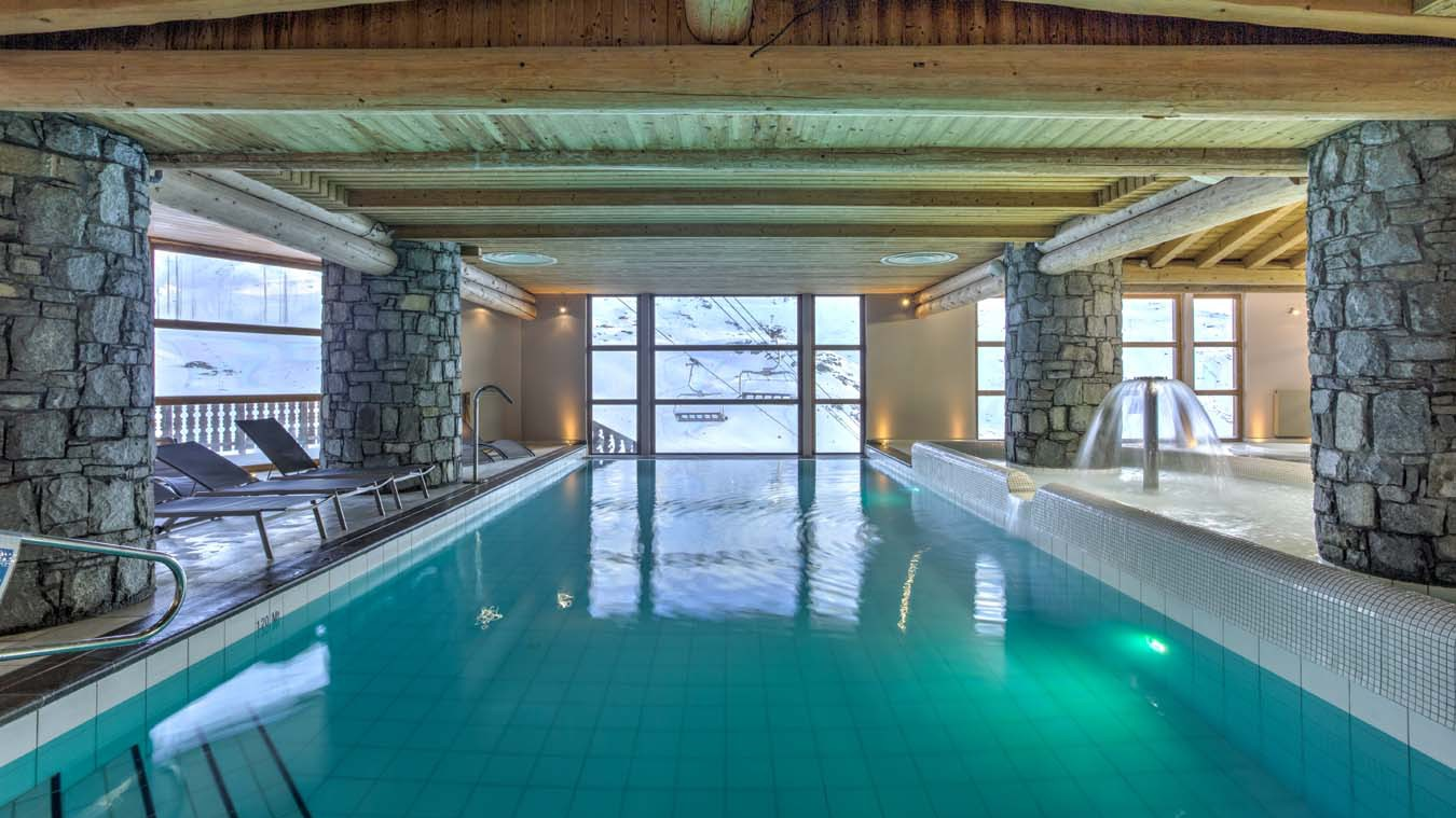 Chalet Carambole, Val Thorens, France, Infinity Pool in Complex