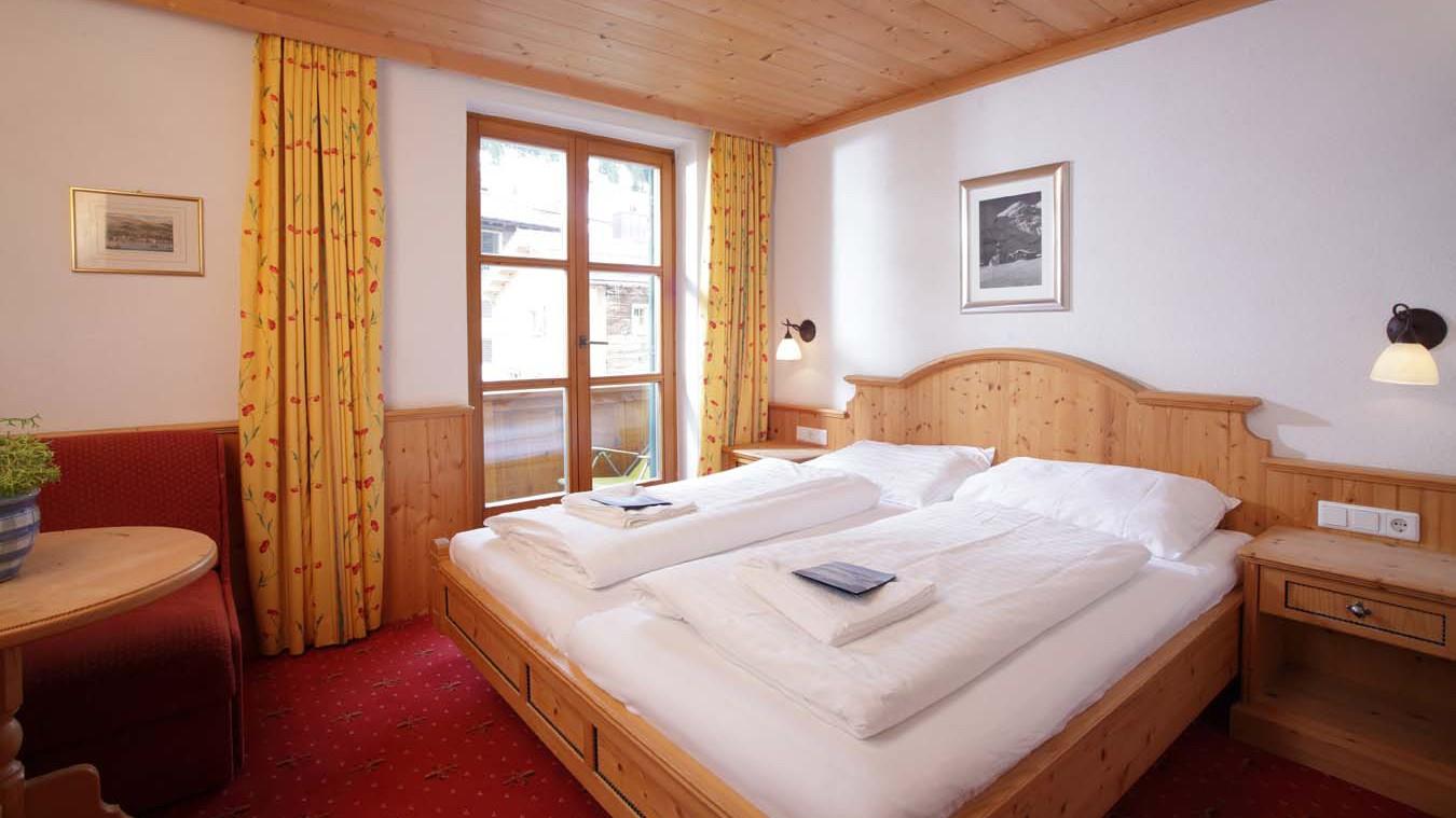 Chalet Furka, Ski Chalet in Lech, Austrian Twin