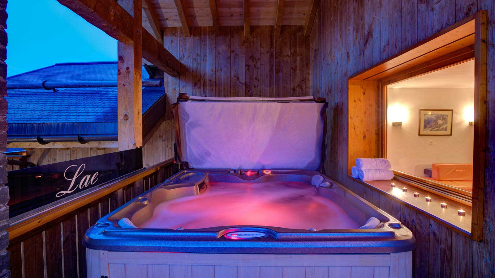 Chalet Laetitia, Meribel - Hot Tub - Twilight
