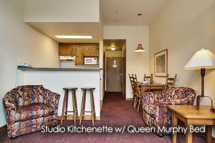 Condo Nancy Greene's Chahilty Lodge, kitchen, Sun Peaks