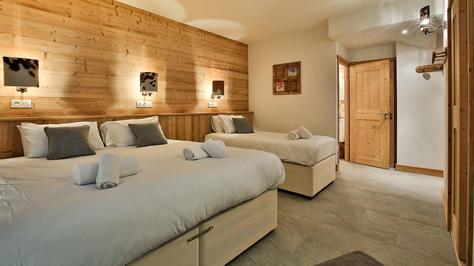 Bedroom, Chalet Crocus Blanc, La Plagne, France
