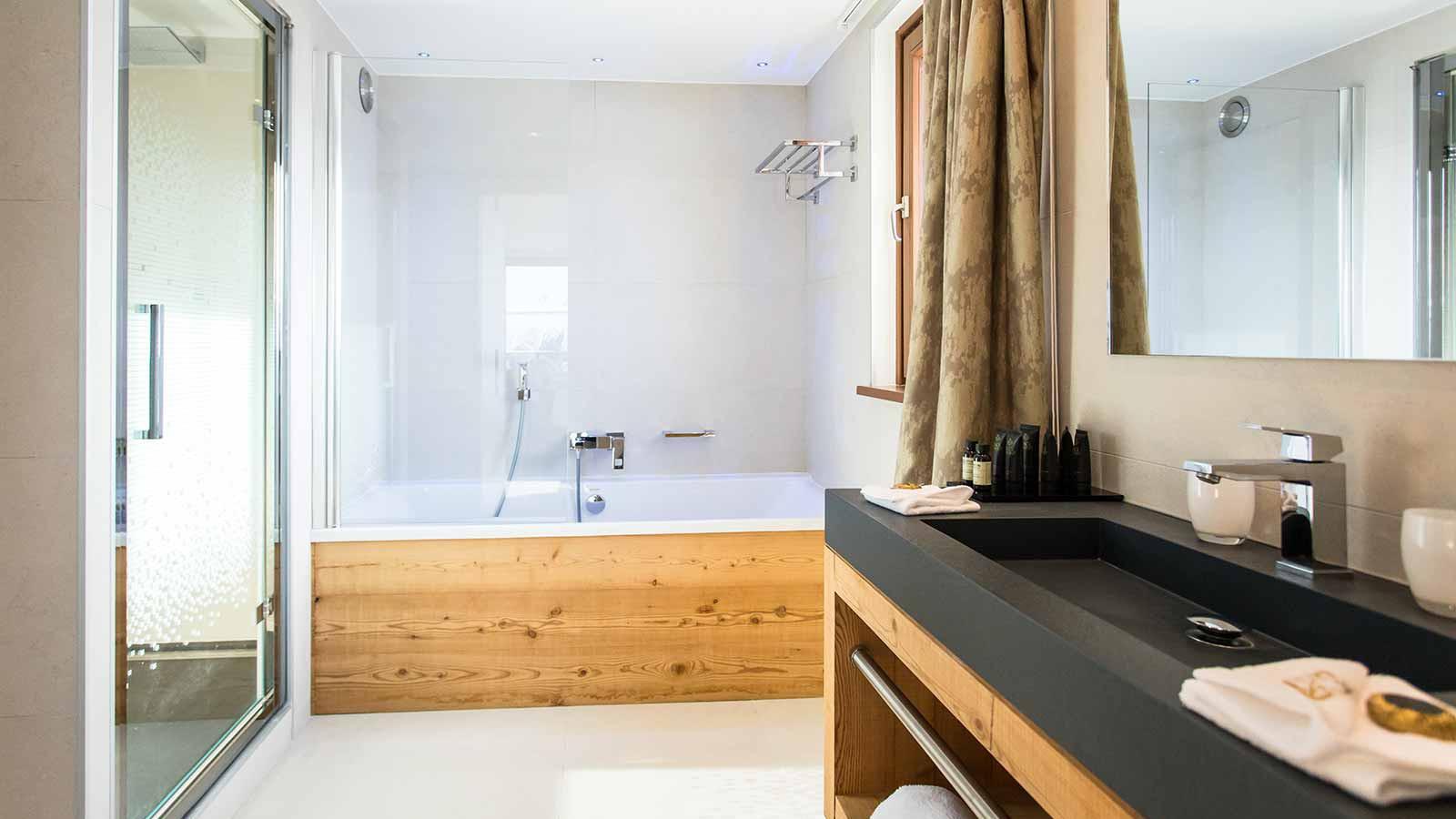 Daria-I Nor Hotel, Alpe D'Huez - Suite Bathroom
