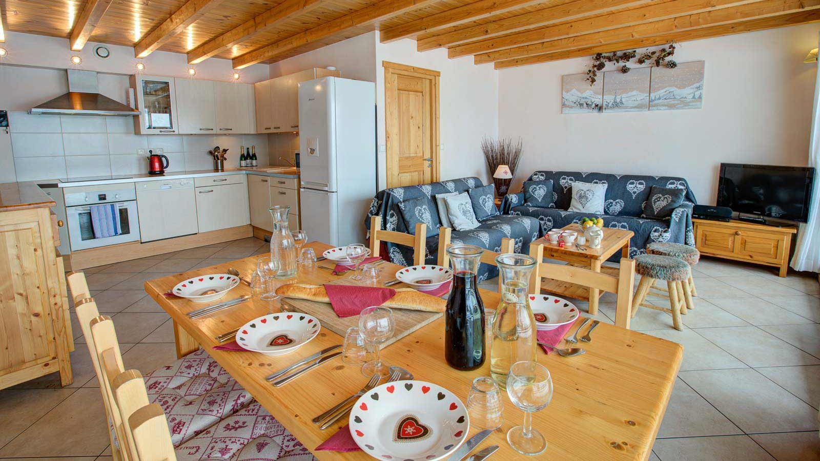 Dining, Lounge and Kitchen - Chalet Gorges, Les Deux Alpes