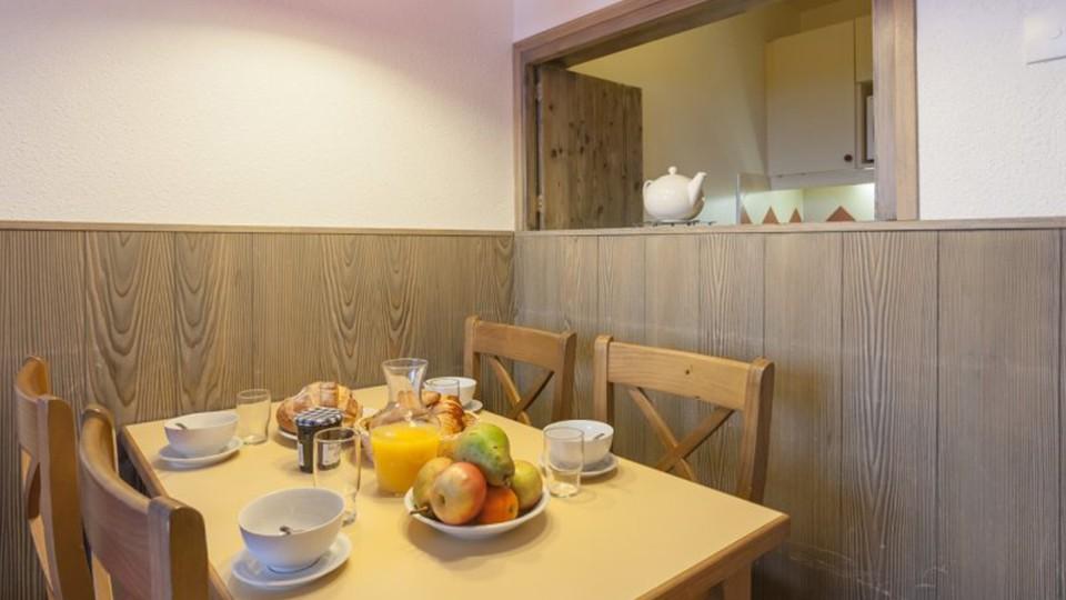 Dining Area, Residence Le Chamois Blanc, Chamonix, France