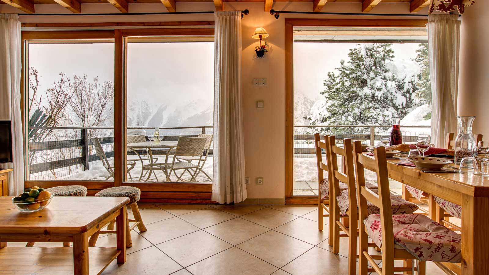 Dining Room, Lounge and View - Chalet Gorges, Les Deux Alpes