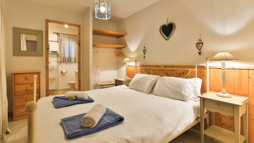 Bedroom in Chalet Panoramique - Ski Chalet in La Plagne, France
