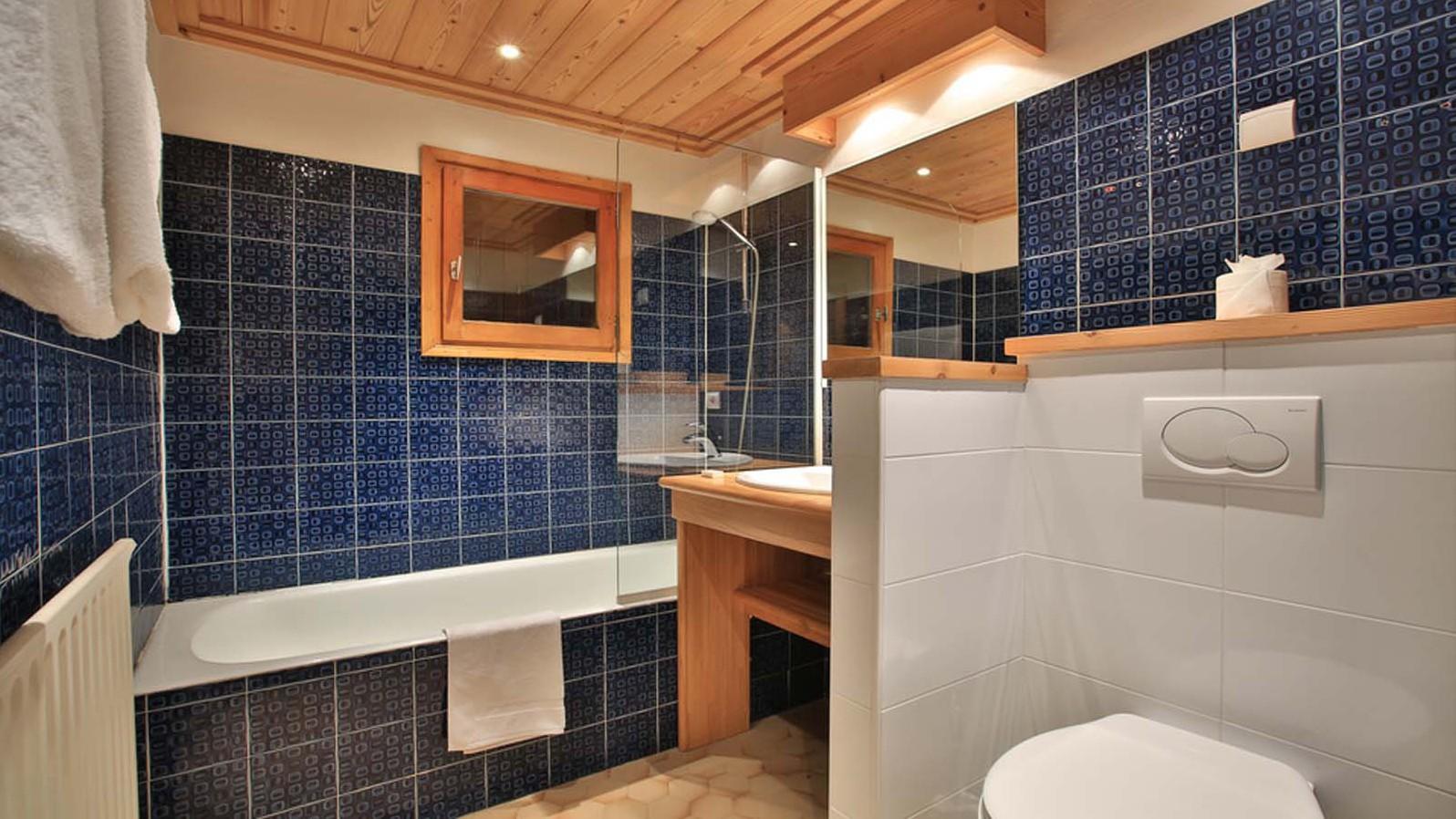 Bathroom, Chalet Elodie - ski chalet in Meribel, France