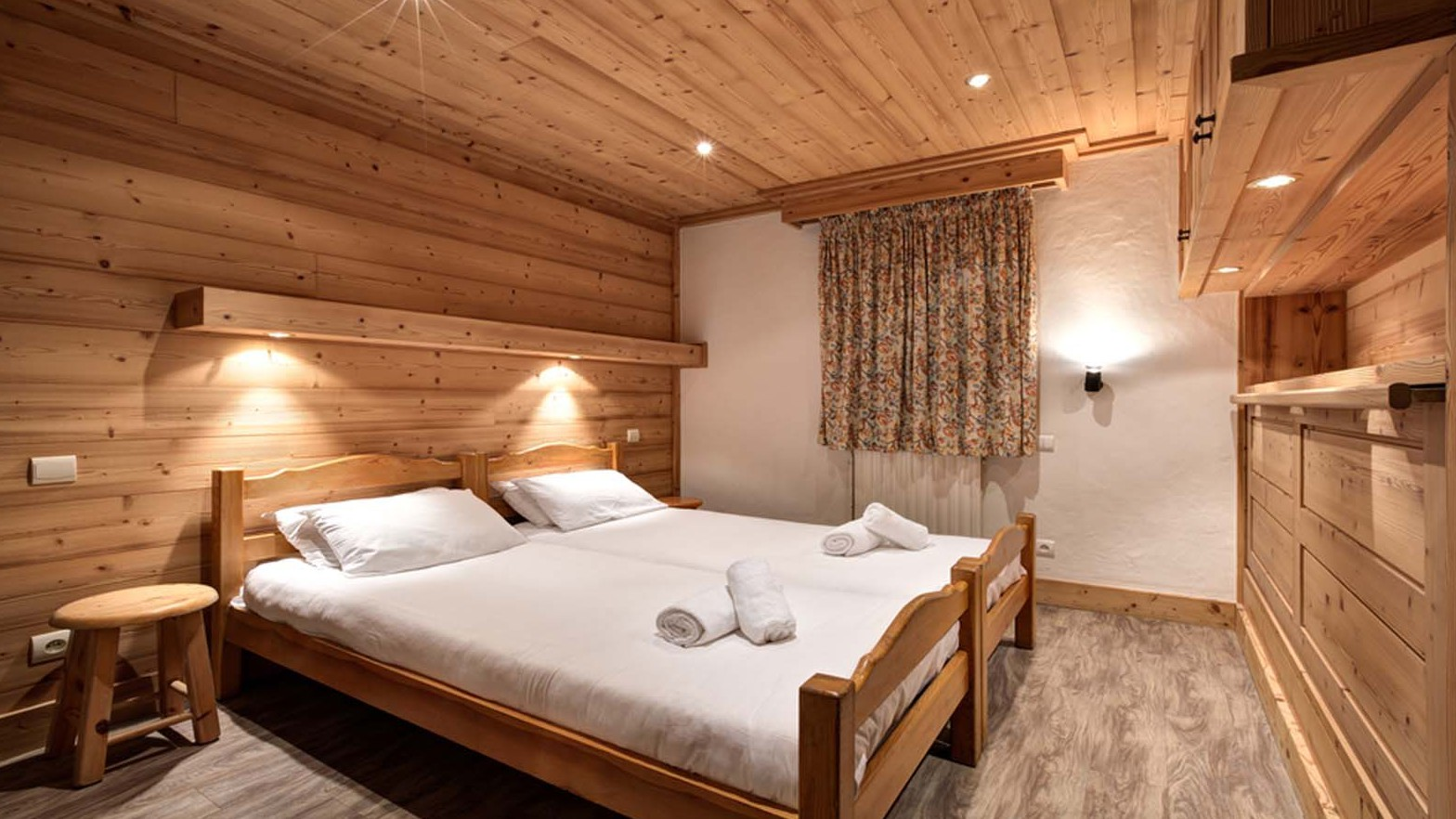Bedroom, Chalet Elodie - ski chalet in Meribel, France