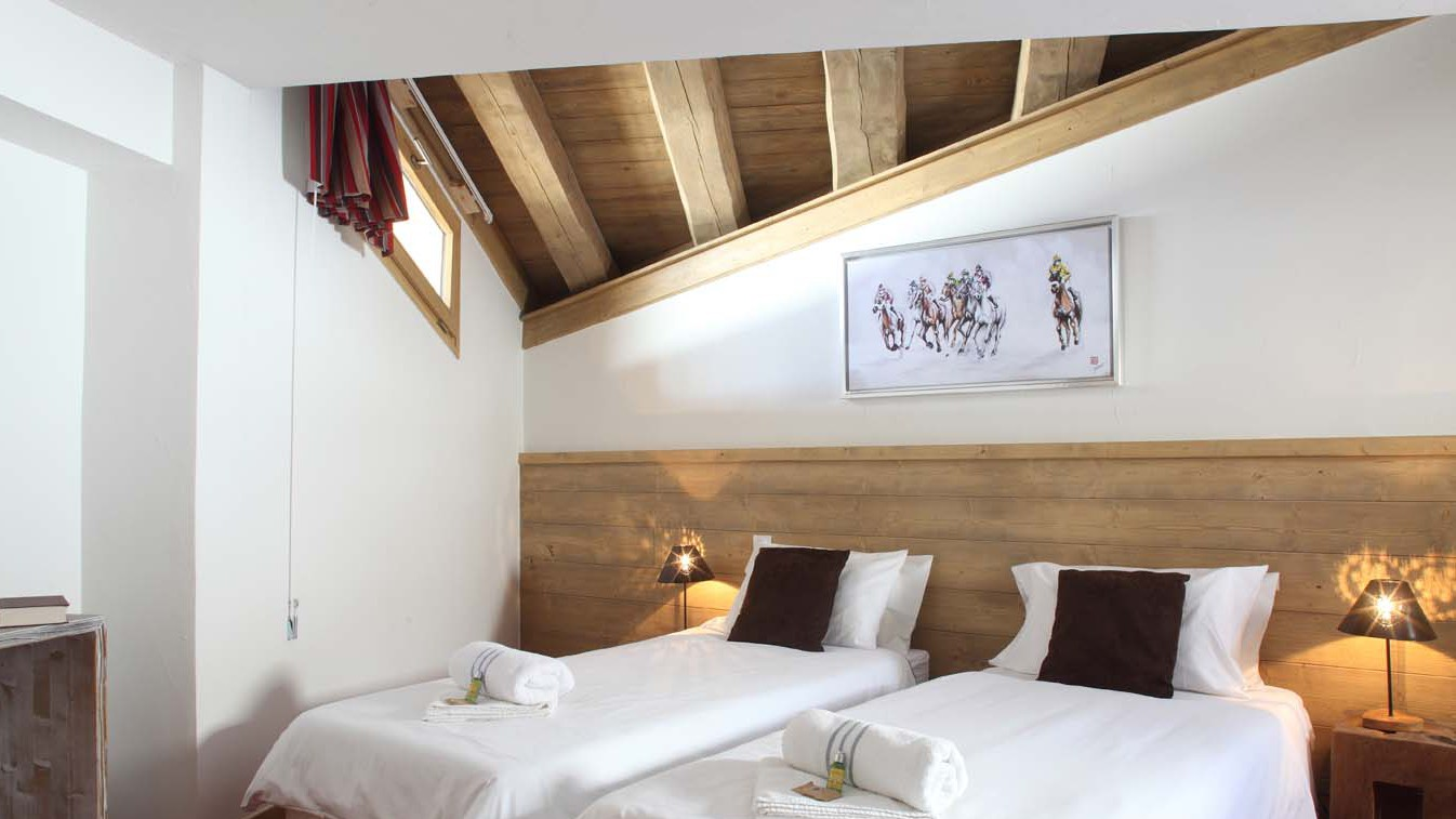 Twin Bedroom In Chalet Escamillo, Tignes, France