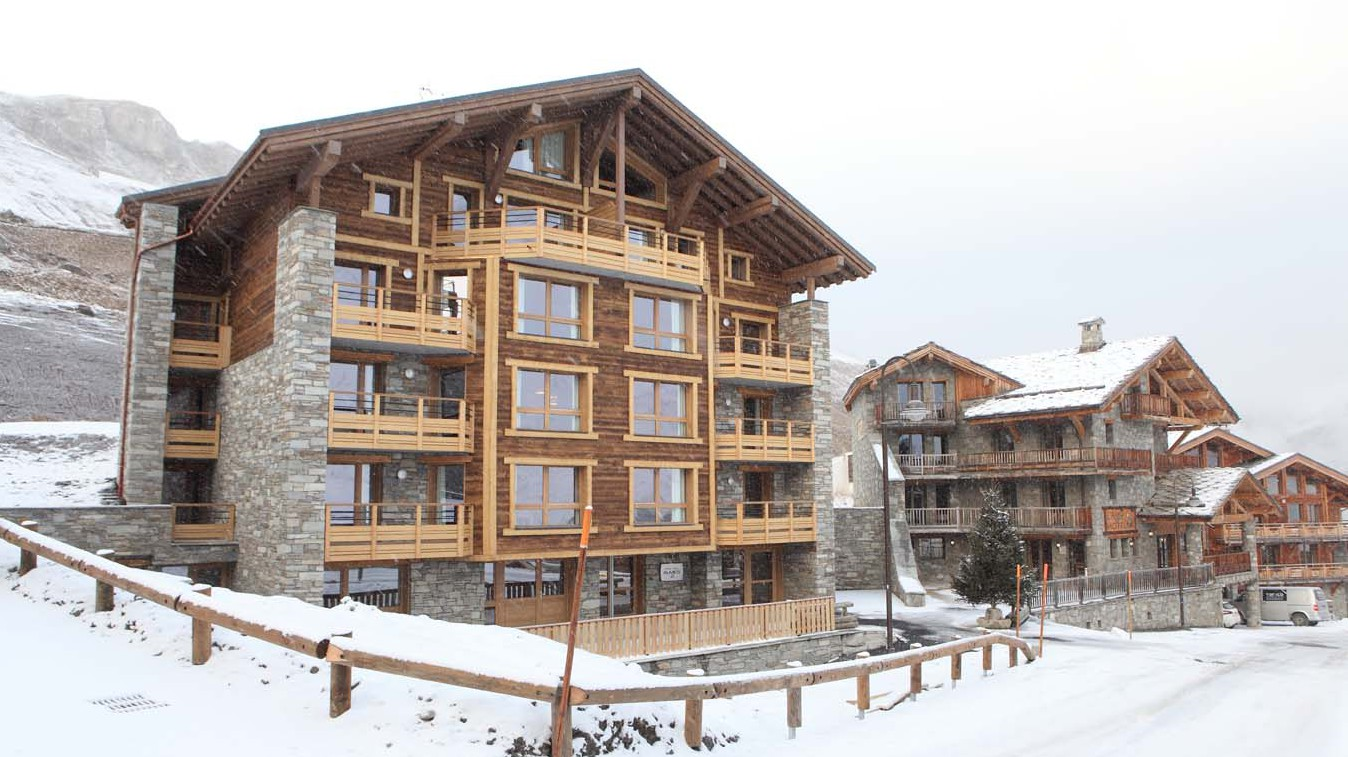Snowy Exterior of Chalet Escamillo, Tignes, France