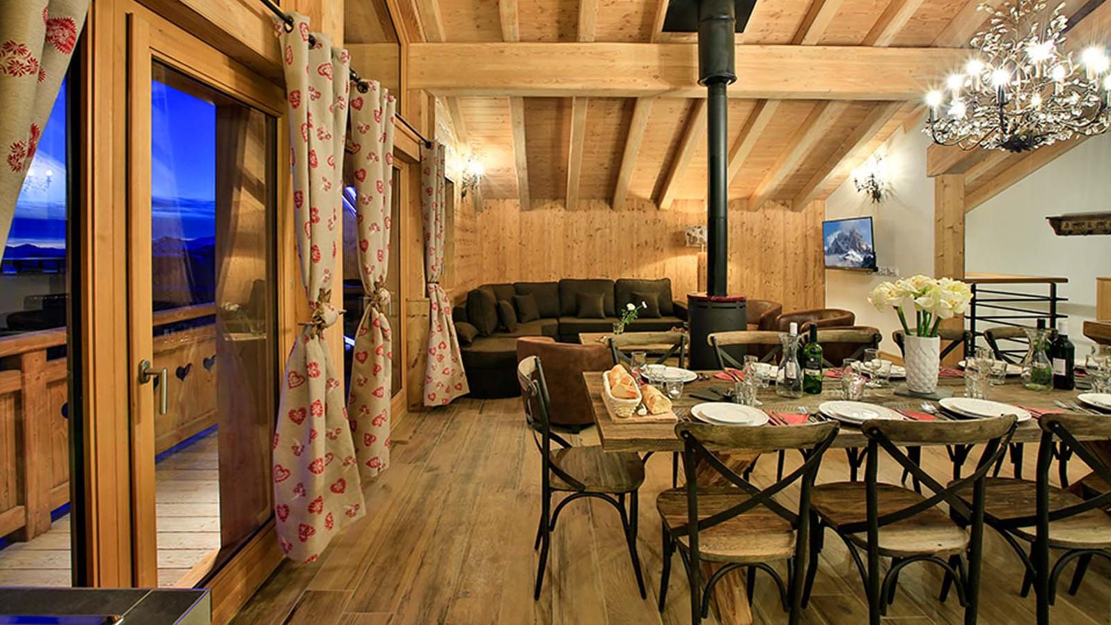 Dining Lounge - Chalet Hepatica - Ski Chalet in La Plagne, France