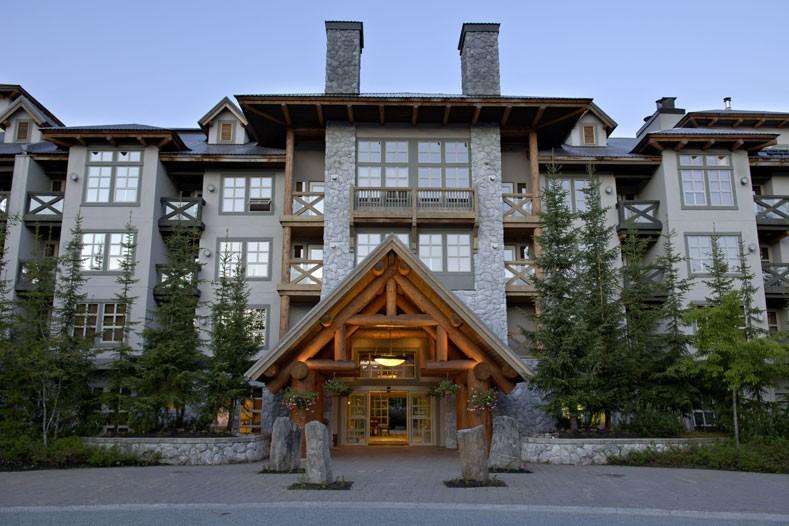 Hotel & Condo Coast Blackcomb Suite, ext, Whistler