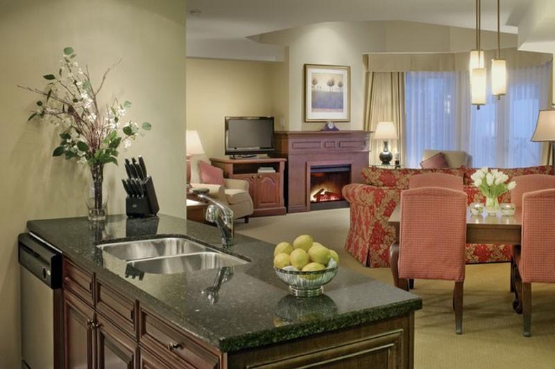 Hotel Delta Sun Peaks Resort, lounge, Sun Peaks
