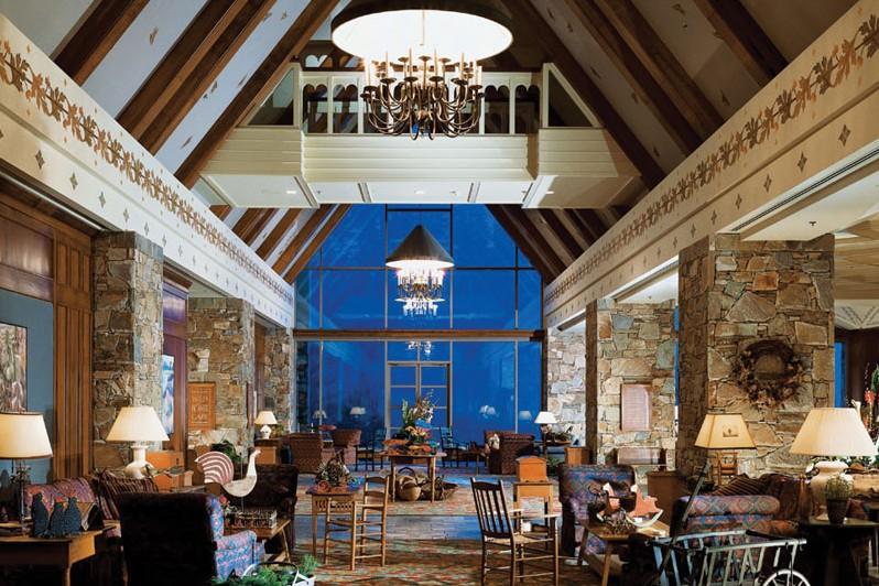 Hotel Fairmont Chateau Whistler, lobby, Whistler