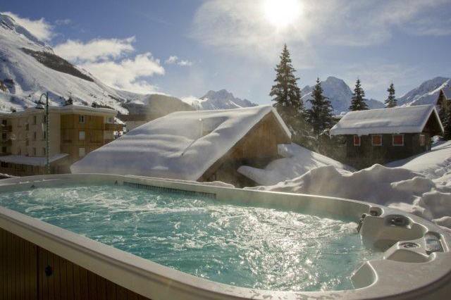 Hotel le cairn les deux alpes france skiworld for Hotels 2 alpes
