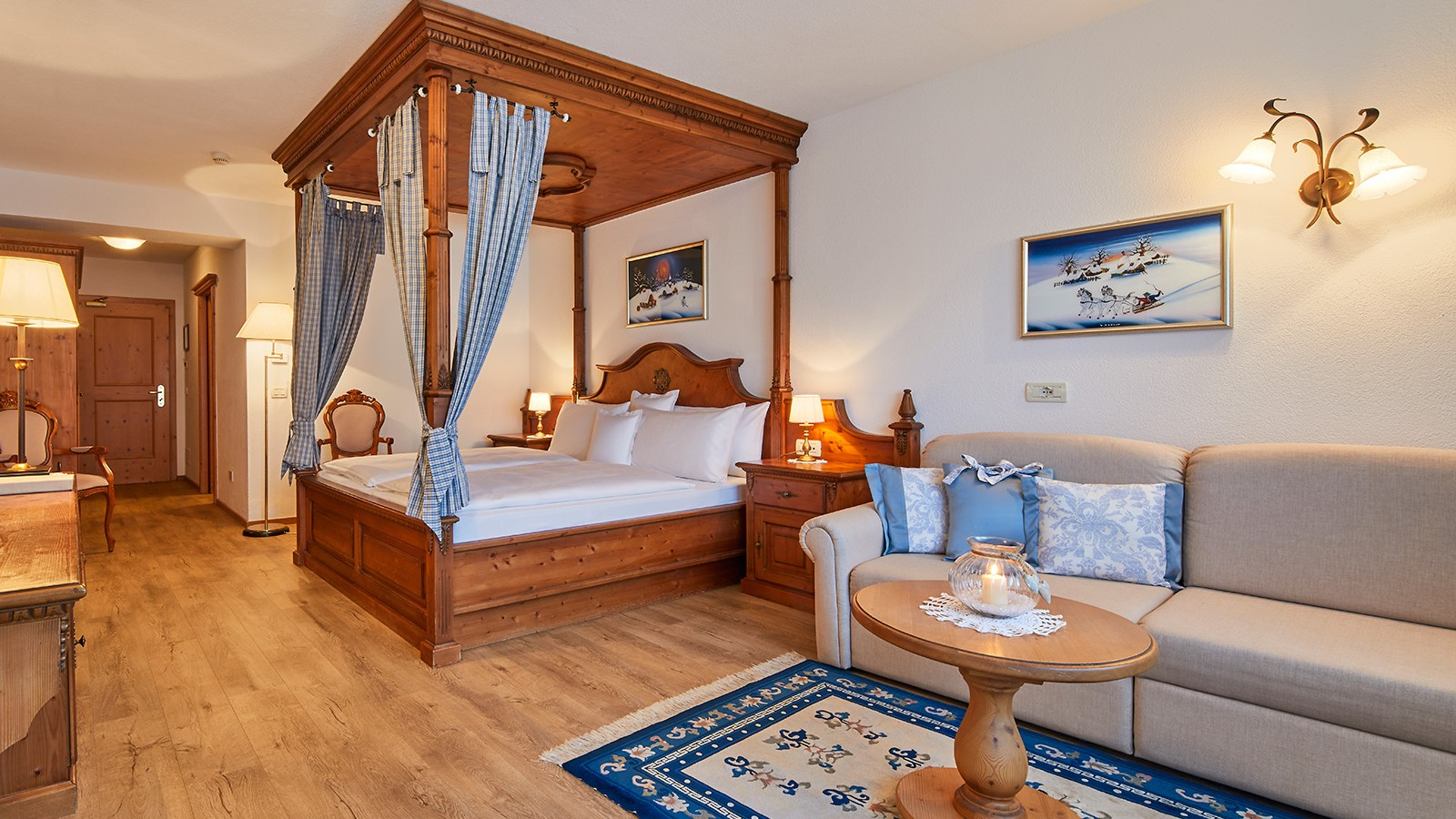 Hotel-Table-Bedroom