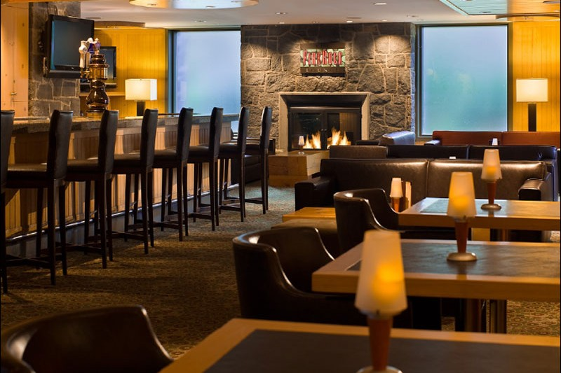 Hotel Westin Resort and Spa, Firerock Lounge, Whistler