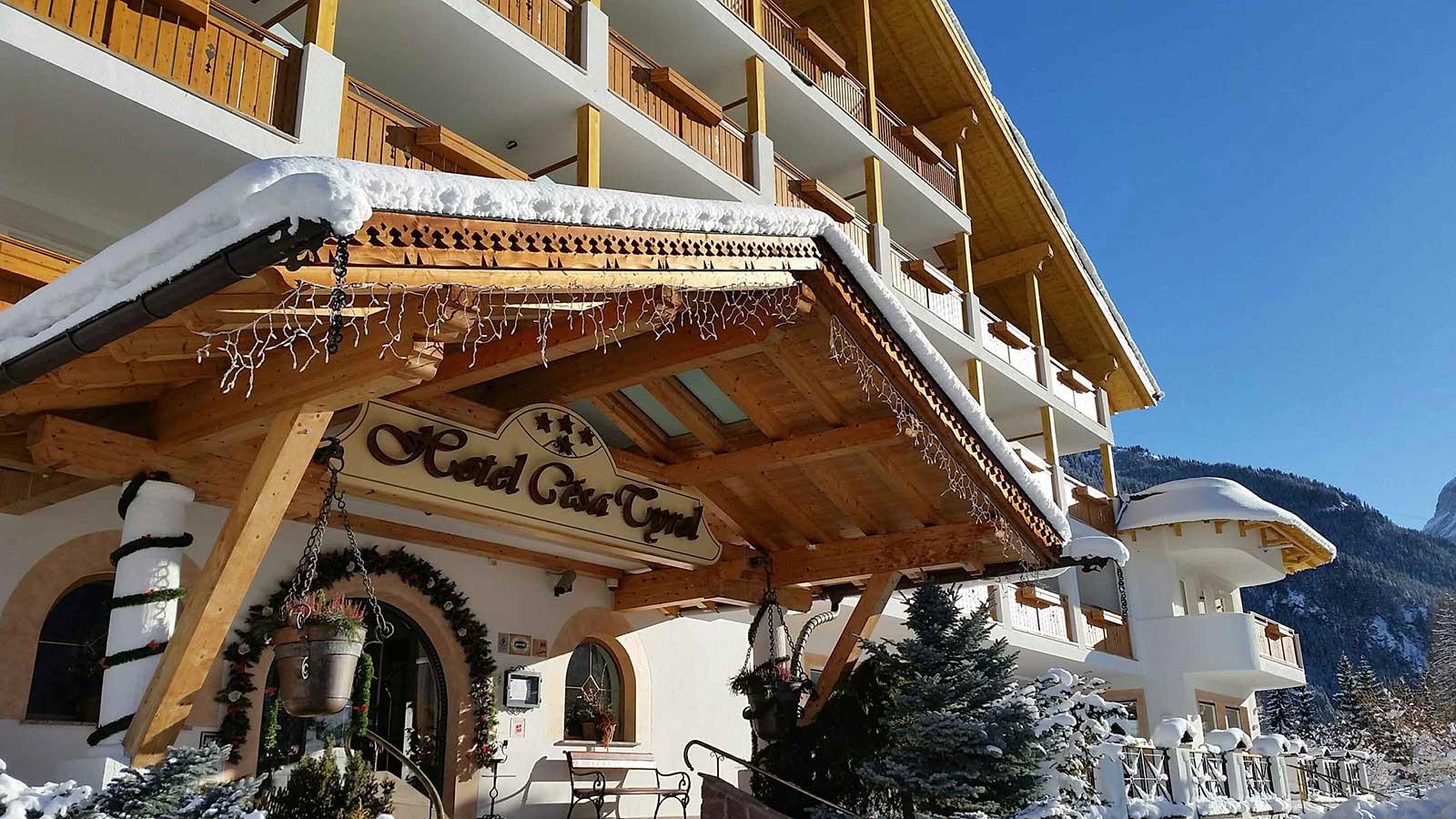Hotel Cesa Tyrol - Exterior
