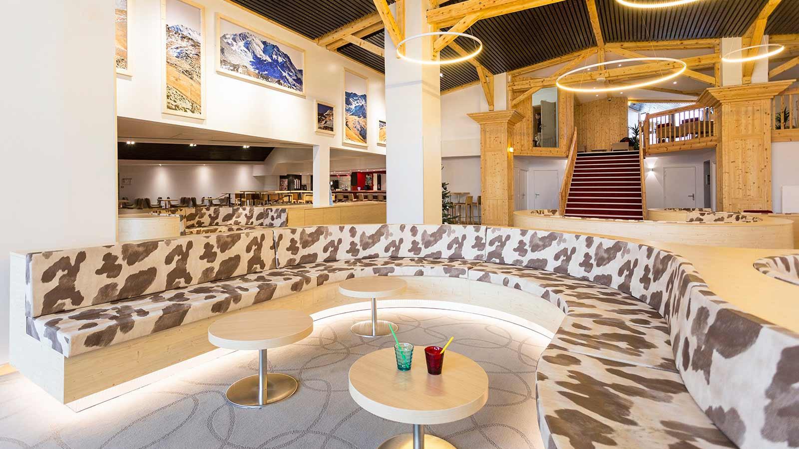 Hotel Club Les Arolles, ValThorens - Public Area 2