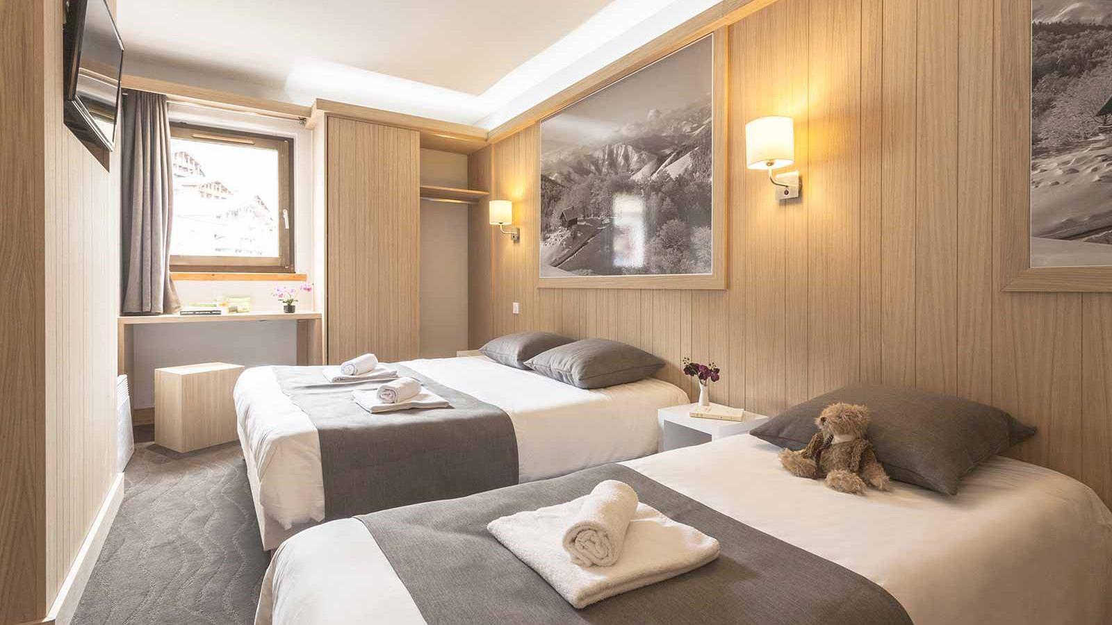 Hotel Club Les Arolles, ValThorens - Rooms