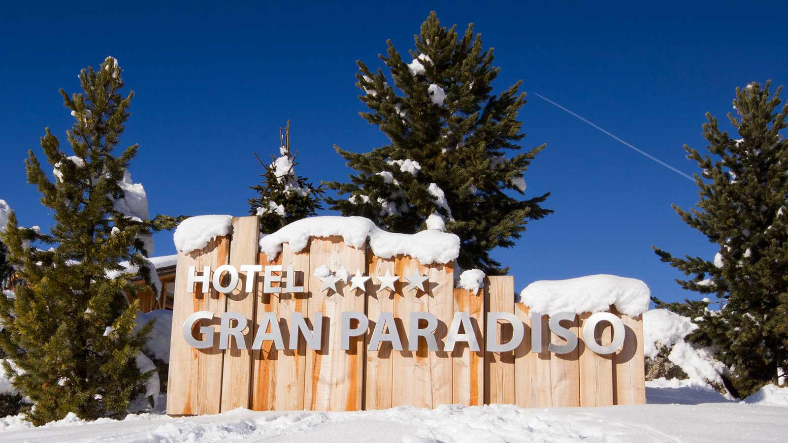 Hotel Gran Paradiso - Name