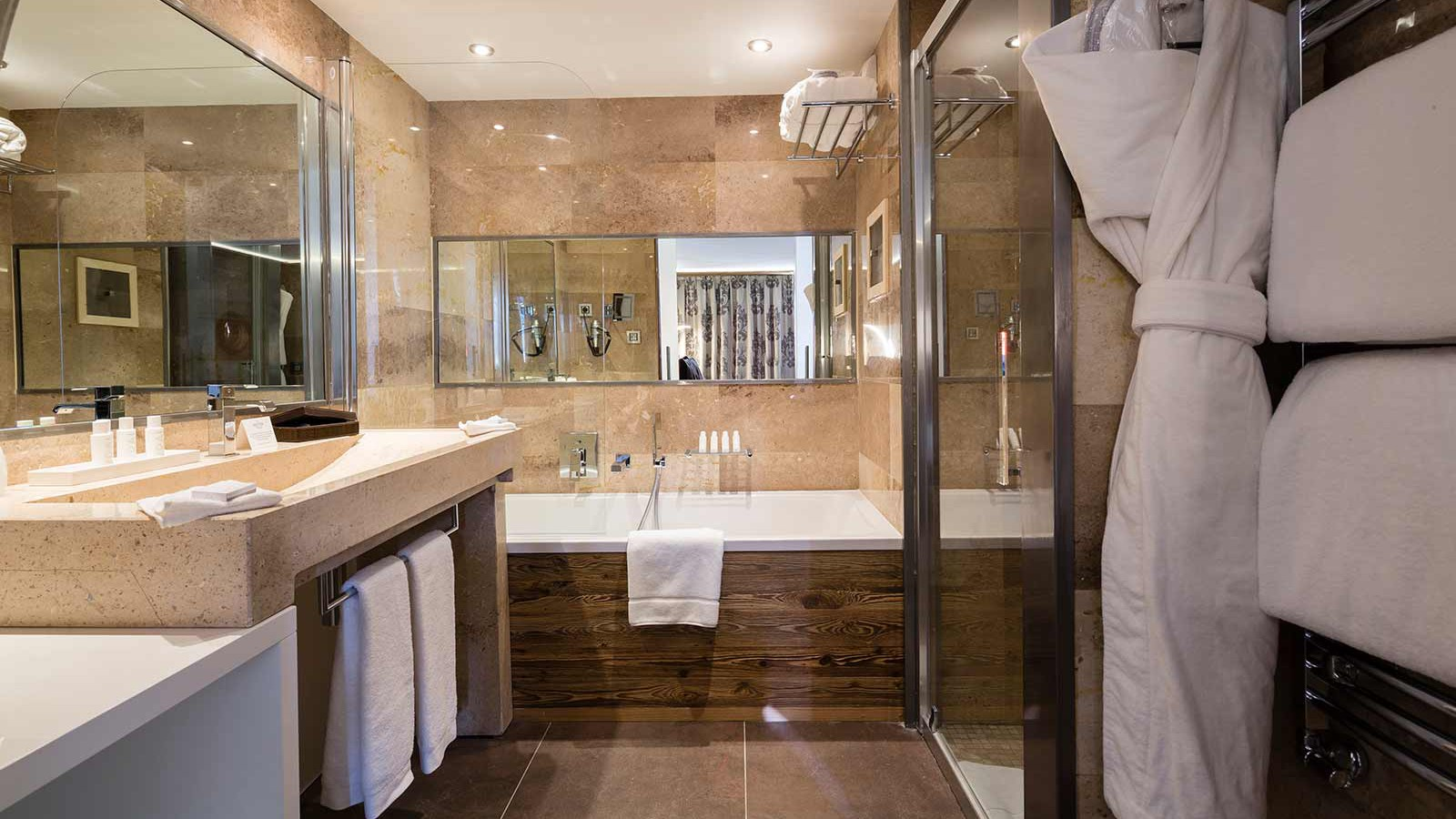 Hotel Koh-I Nor, Val Thorens - Luxury room 36m2 bathroom